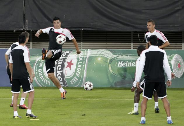 Benfica's Cardozo kicks the ball during a training session at Karaiskaki stadium in Piraeus