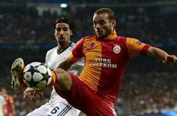 Sneijder: I'm happy at Galatasaray