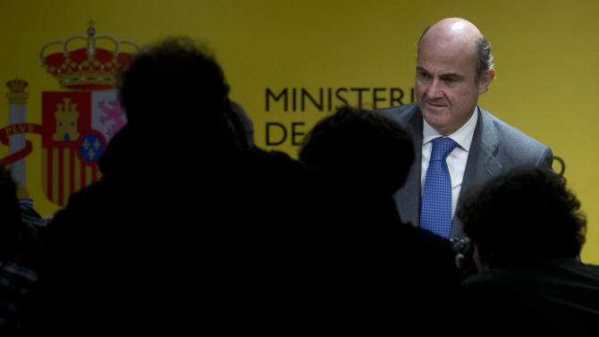 Spanish economy minister to testify in bank probe
