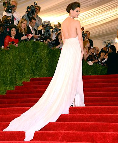 Katie Holmes Wears Sexy Backless Dress, Shows Side Boob at First Met Gala in Four Years