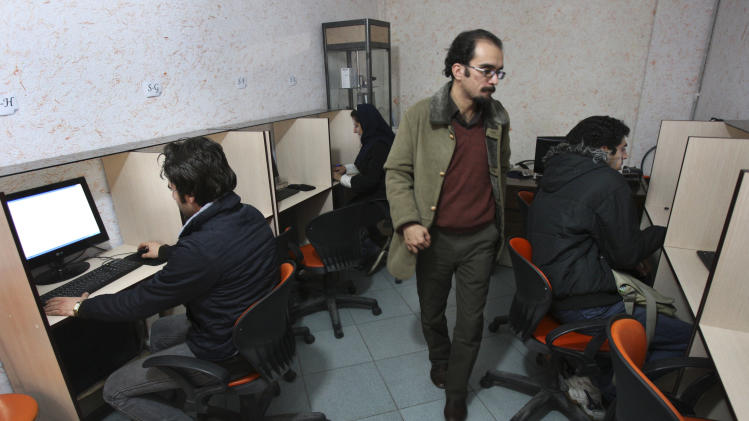 Iran's approaching vote brings receding Web access