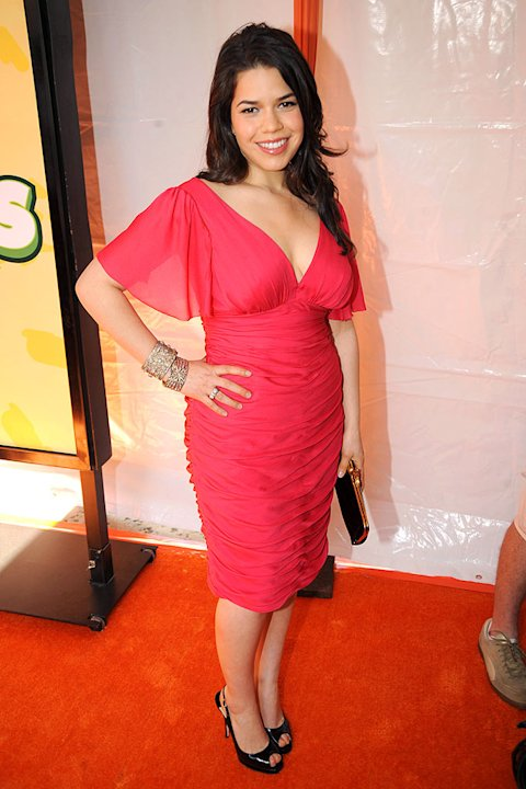 "America Ferrera arrives at ""Nickelodeon's 2009 Kids' Choice Awards"" at UCLA's Pauley Pavilion on March 28, 2009 in Westwood, California."