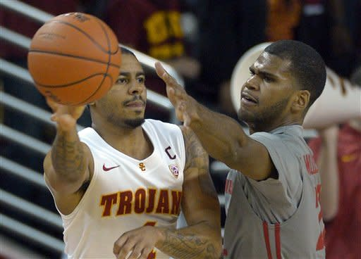 Southern California beats Washington State 72-68