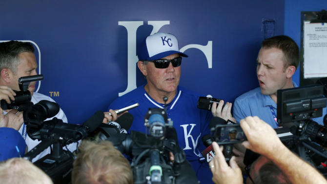 Royals GM Moore hinted to Brett about coaching