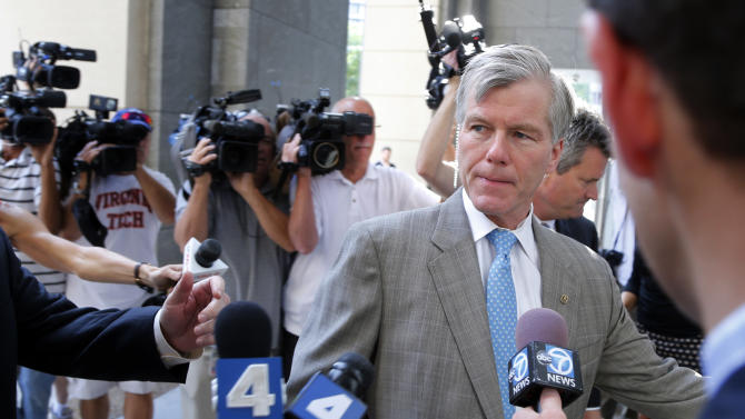 Former Virginia Gov. Bob McDonnell arrives at federal court in Richmond, Va., Thursday, Aug. 28, 2014. The prosecution in the McDonnell corruption case begins its rebuttal Thursday. (AP Photo/Steve Helber)
