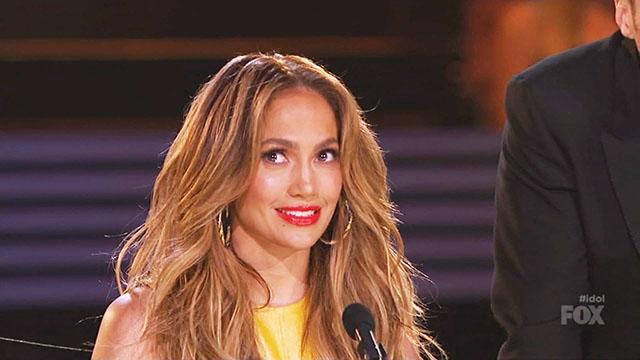 JLo's Distracting Dress Wows 'Idol'