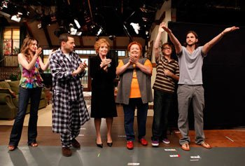 "The ""Two and a Half Men"" cast takes a bow"