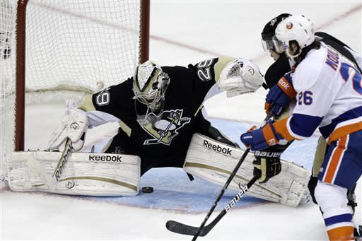 Islanders rally past Penguins 4-3 to even series