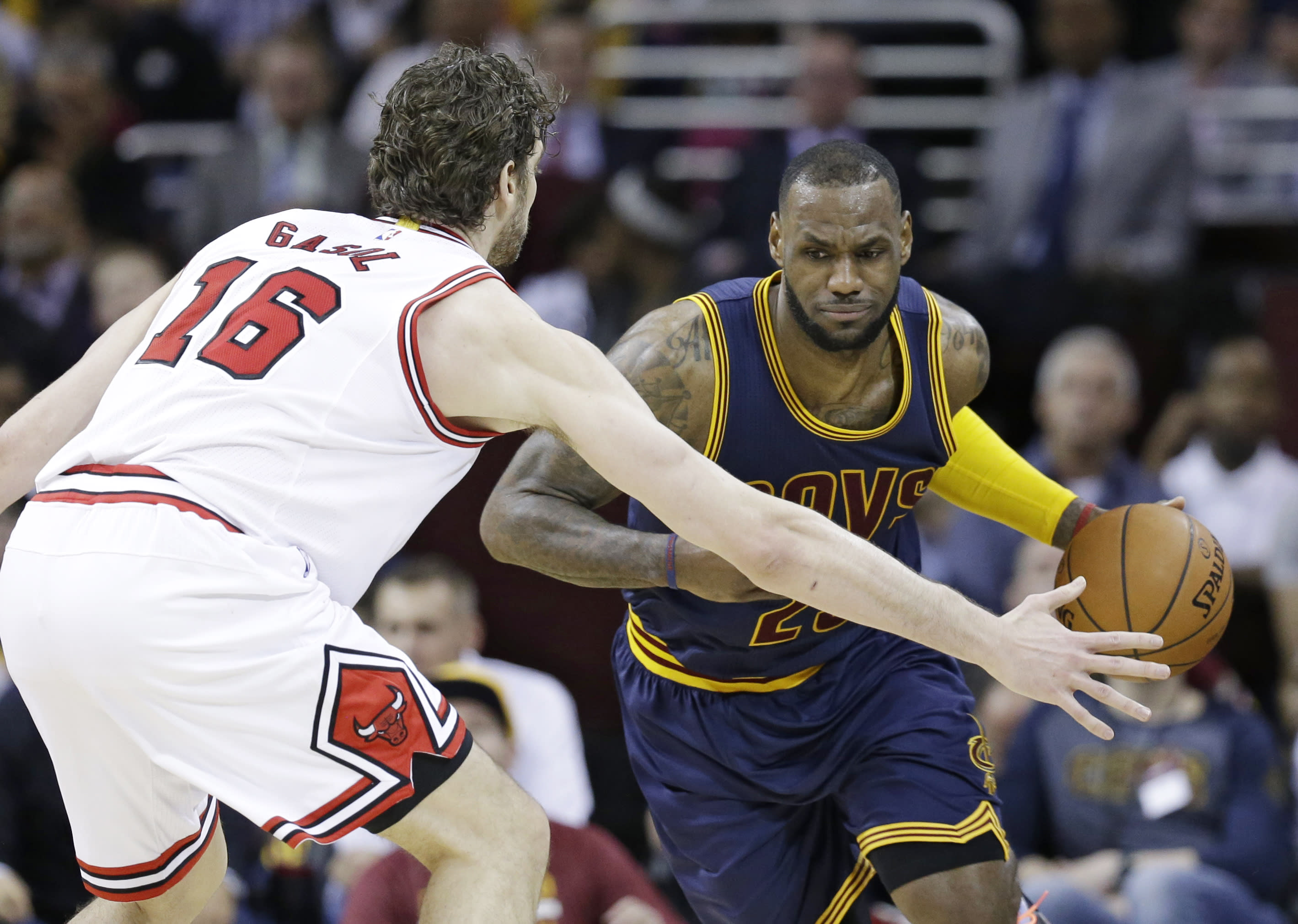 LeBron, Cavs ready to take on raging Bulls
