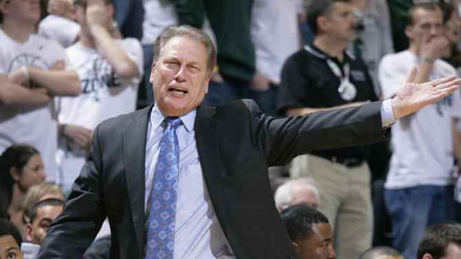 Michigan State moves to No. 1 in AP poll