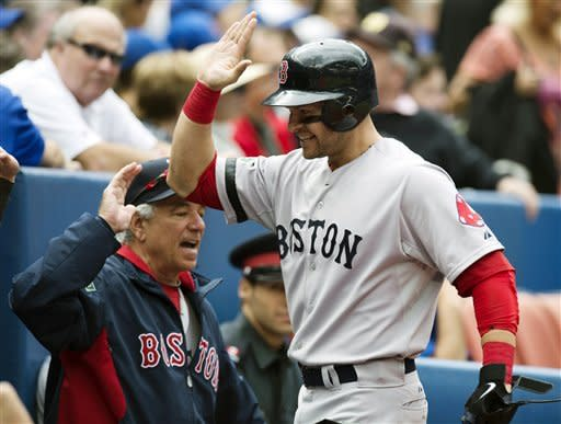 Red Sox win second straight, beat Blue Jays 3-2