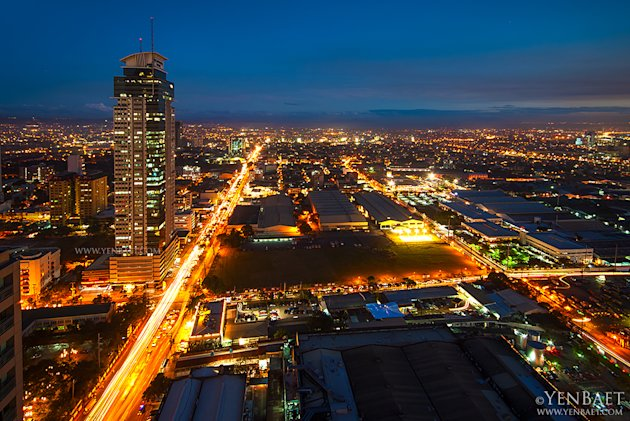 philippines-manila-skyscraper-5-jpg_064752 - Manila at twilight - Philippine Photo Gallery