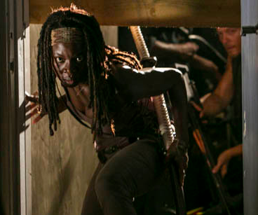 'Walking Dead' Midseason Finale Preview: Attack of the Bloodthirsty Killers, aka Our Heroes