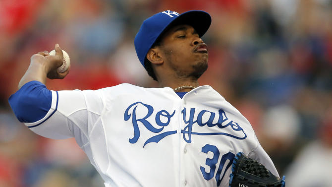 Ventura leads Royals to 3-2 win over Cardinals