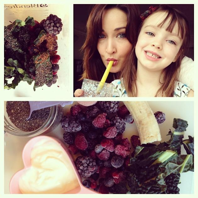 Berry-Banana Kale Smoothie Recipe
