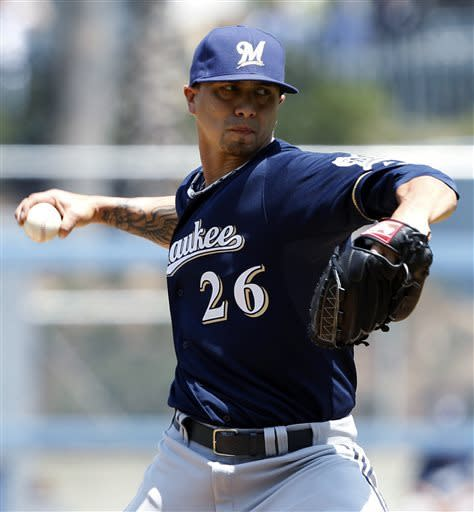 Kershaw dominates Brewers, Crawford homers twice