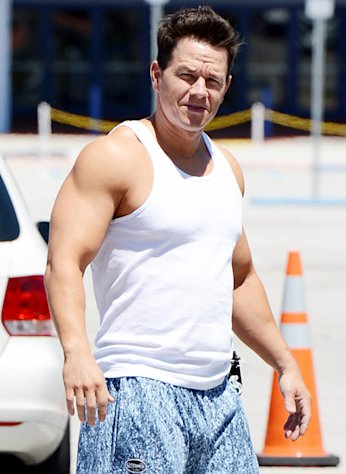 Mark Wahlberg Isn&#39;t Taking Steroids for Beefed-Up Look in New Film