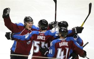Avs rally in 3rd period for 3-1 win over Kings