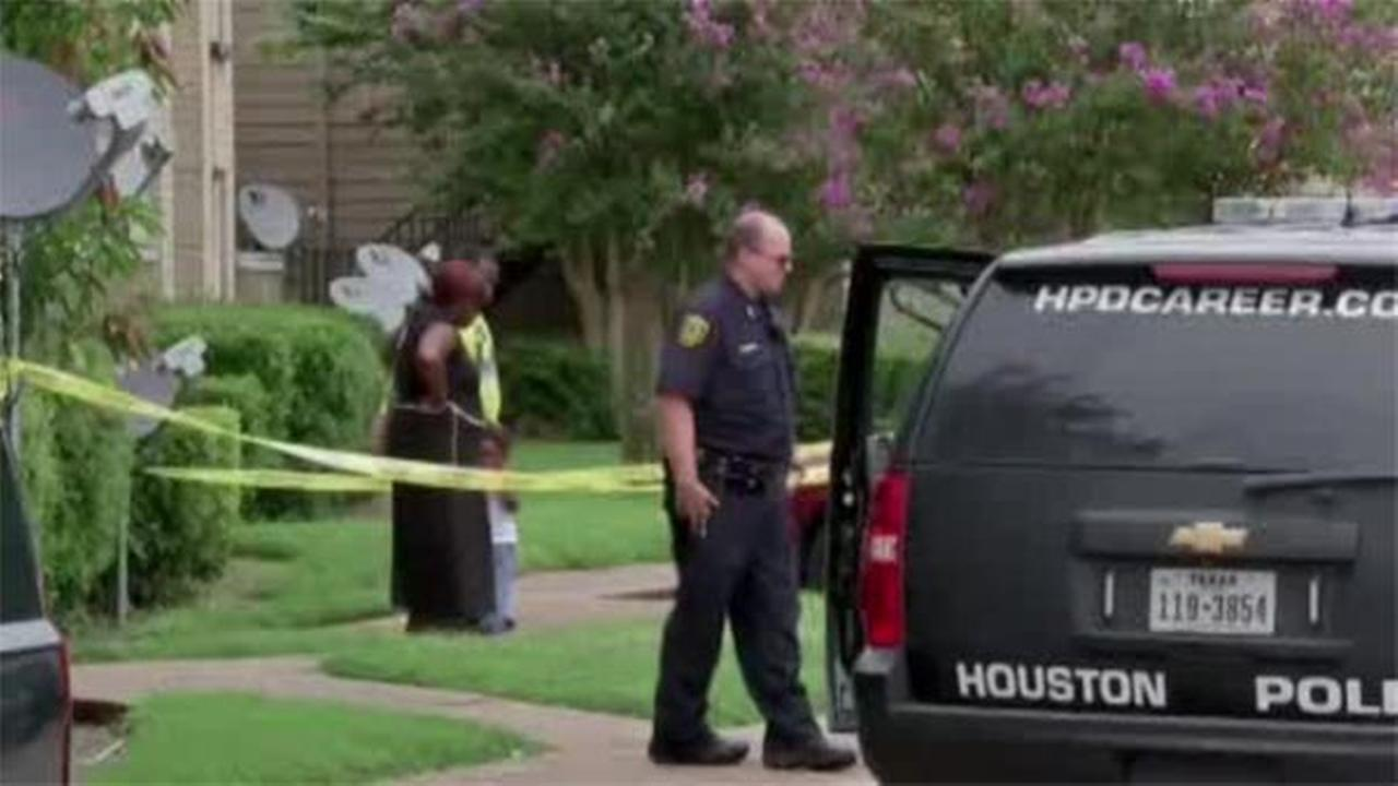 Texas teen fatally shoots himself while taking selfie