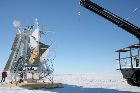 NASA Launches Telescope-Toting Balloon from Antarctica on Christmas