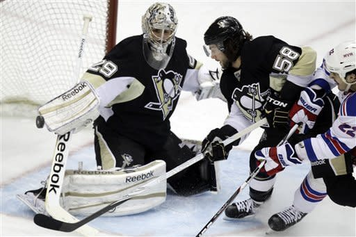 Penguins turn back Rangers 2-0