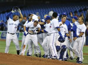 Cooper's single gives Jays 3-2 win over White Sox
