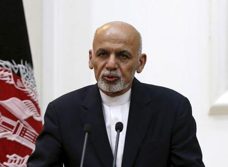 Afghan president sacks security officials over fall of Kunduz