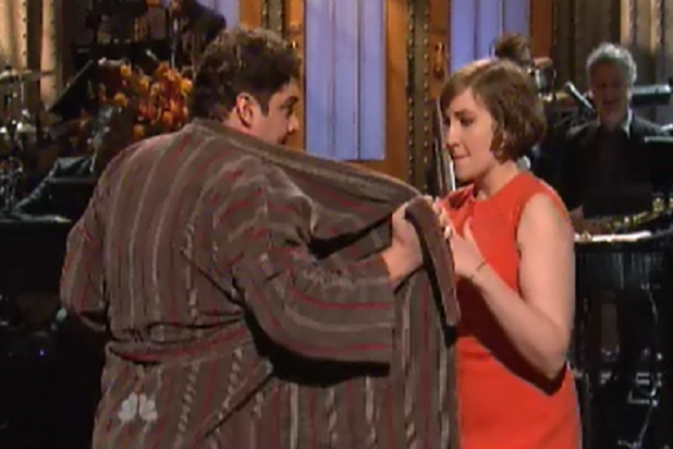 Lena Dunham Jokes About 'Girls' Nudity in 'SNL' Monologue