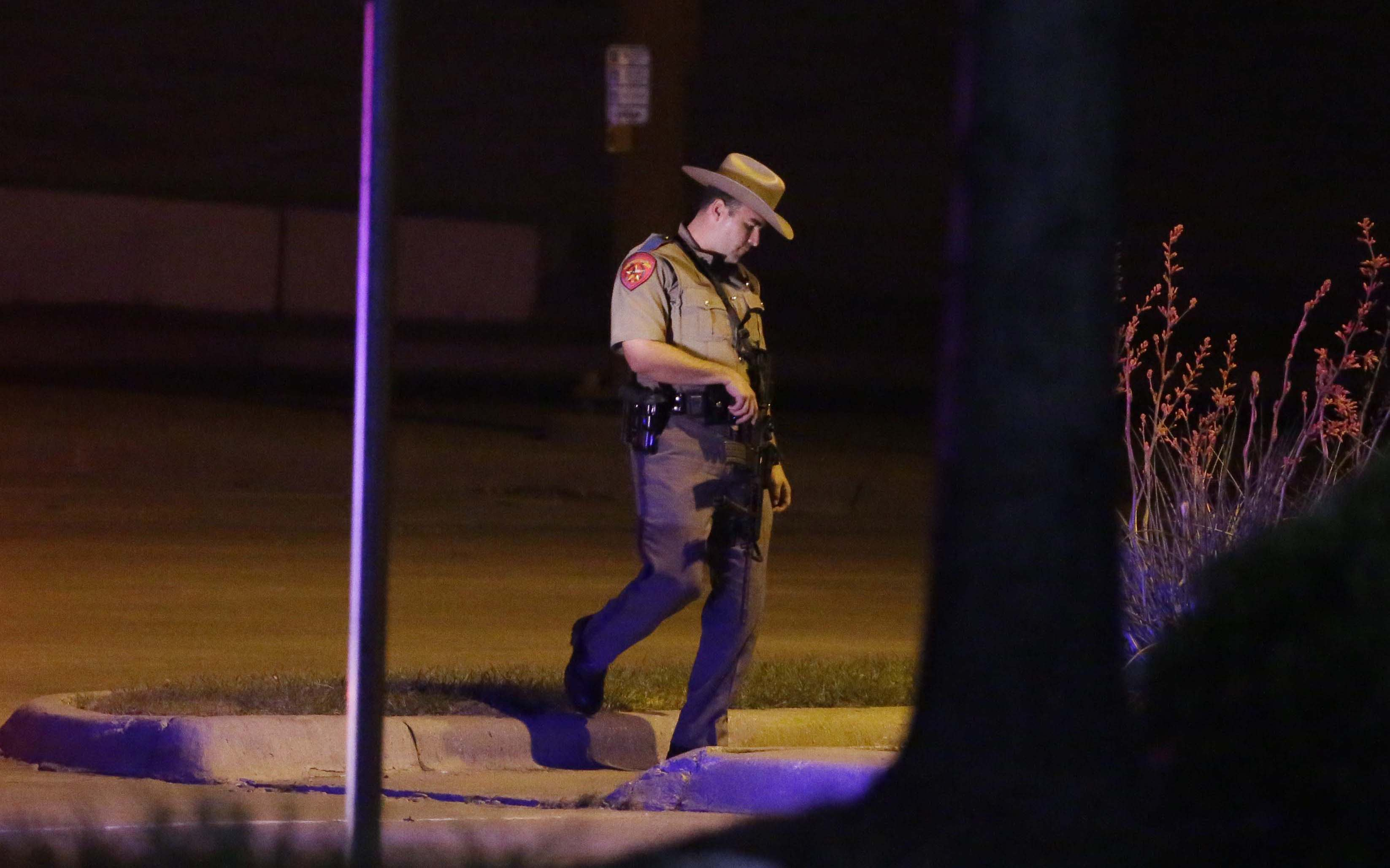 Police kill 2 gunmen outside Muhammad cartoon event in Texas