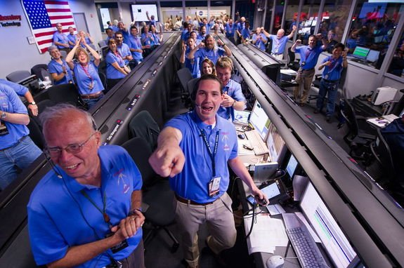 NASA Showered with Praise After Amazing Mars Rover Landing