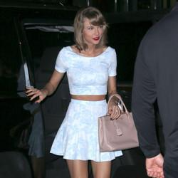 Proof That Taylor Swift Likes A Bargain As Much As You Do