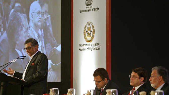 Indian Foreign Minister S.M Krishna addresses delegates at the opening session of the Delhi Investment Summit on Afghanistan in New Delhi, India, Thursday, June 28, 2012. The summit is aimed at promoting foreign investments into Afghanistan ahead of the withdrawal of international forces at the end of 2014. (AP Photo/Saurabh Das)