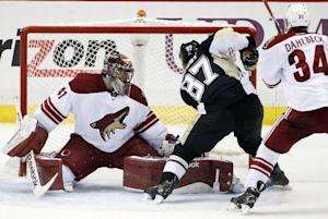 Penguins score 3 goals in third period, beat Coyotes …