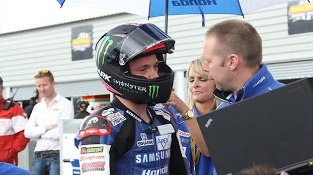 Snetterton BSB: Lowes quickest in opening free practice session