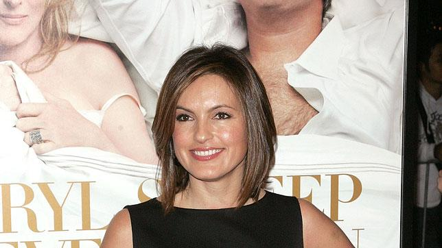 "Mariska Hargitay attends the New York premiere of ""It's Complicated"" at The Paris Theatre on December 9, 2009 in New York City."