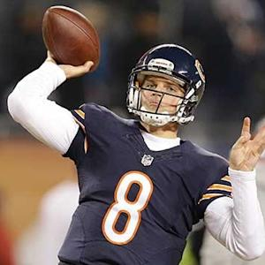 Chicago Bears quarterback Jimmy Clausen to start over quarterback Jay Cutler