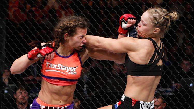 Strikeforce: Tate v Rousey