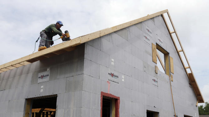 Jump in mortgage rates hurts US sales of new homes