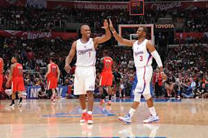 Clippers rout Trail Blazers 93-77