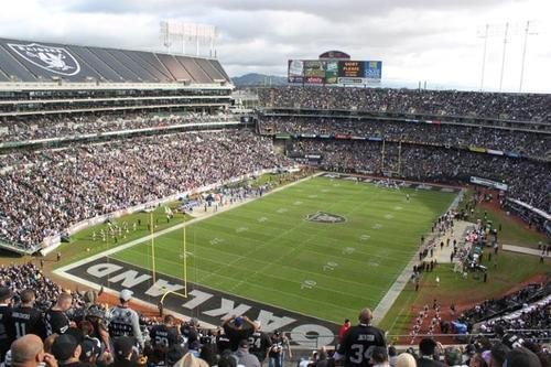 Oakland Raiders Decide to Love Oakland...For Now