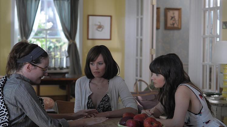 Our Idiot Brother 2011 Weinstein Company Elizabeth Banks Zooey Deschanel