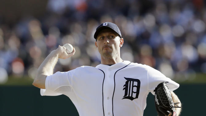 Detroit Tigers' Max Scherzer throws in the first inning during Game 4 of the American League championship series against the New York Yankees Thursday, Oct. 18, 2012, in Detroit. (AP Photo/Matt Slocum)