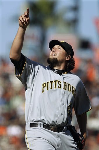 Pirates beat Giants 4-1, break 5-game losing skid