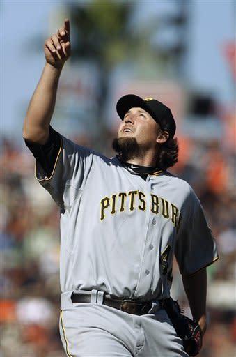 Pirates beat Giants 4-1, break 5-game losing skid