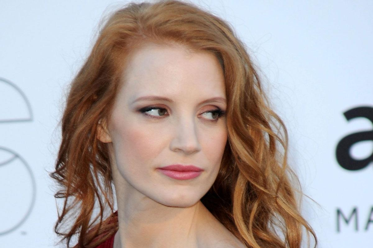 Jessica Chastain is single-handedly reviving Victorian gothic fashion in 'Crimson Peak'