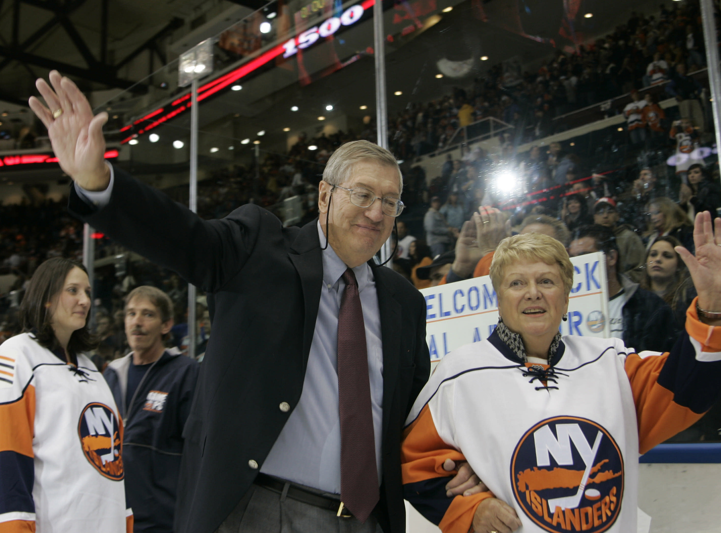 Al Arbour, who coached Isles to 4 Cup titles, dies at 82