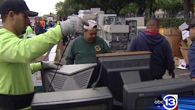 KTRK holds annual eCylcing drive