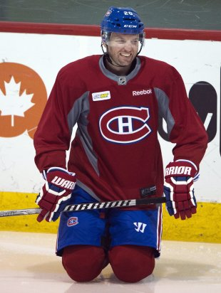 Thomas Vanek, whose value took a hit in the playoffs with the Habs, signed a 3-year deal with Minnesota. (AP)