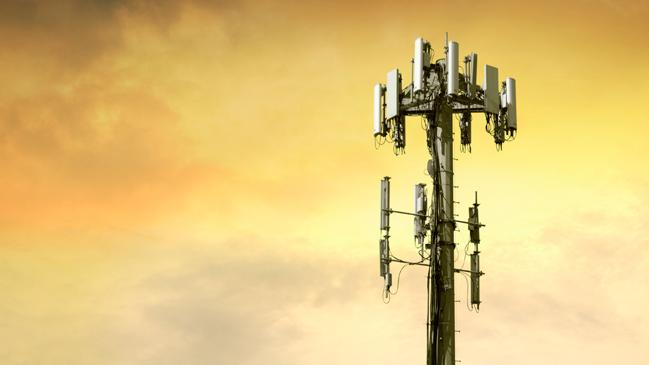 FCC to auction off an additional 300Mhz of spectrum to mobile carriers by 2015