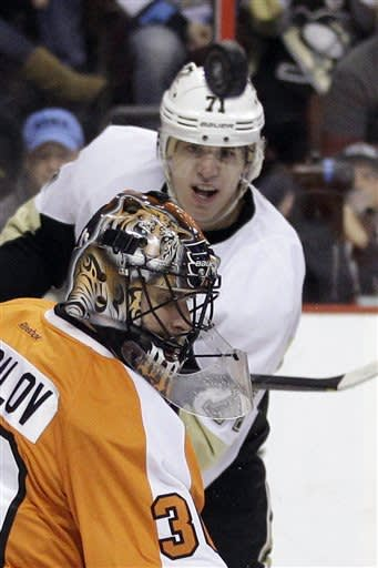 Flyers snap Penguins' streak at 11 with 3-2 OT win